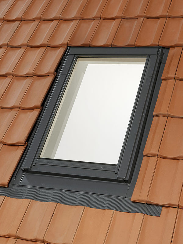 Tile Flashing Skylight Fitters